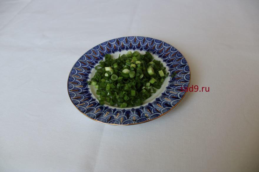 Салат с помидоров и огурцов, пошаговый рецепт