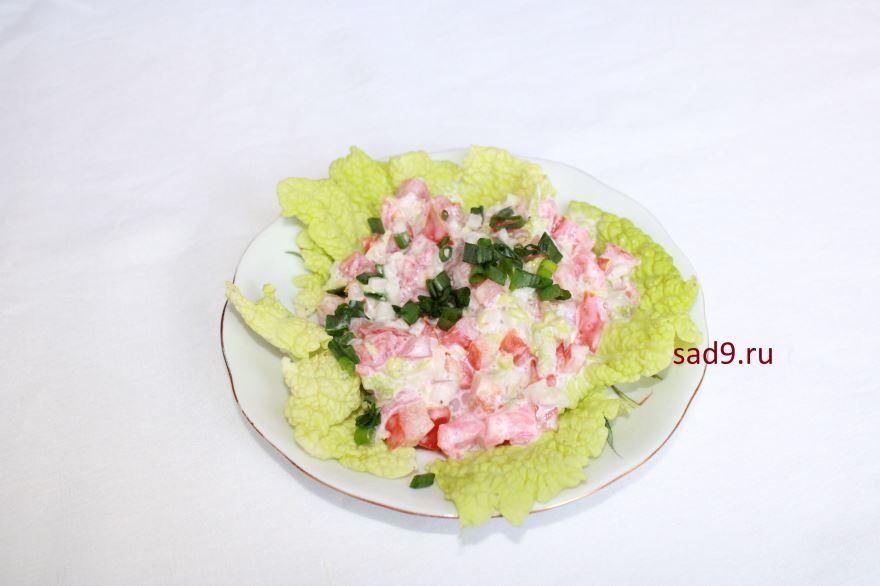 Очень вкусны салат с семгой, рецепт с фото