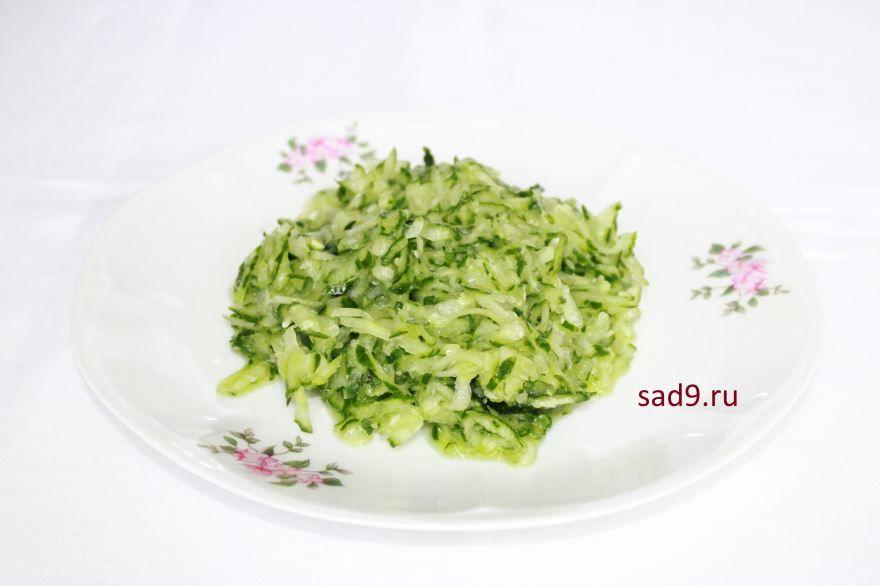 Салат с капусты и огурцов с маслом