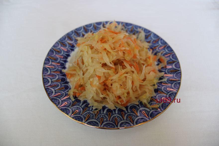 Салат из квашенной капусты с картофелем