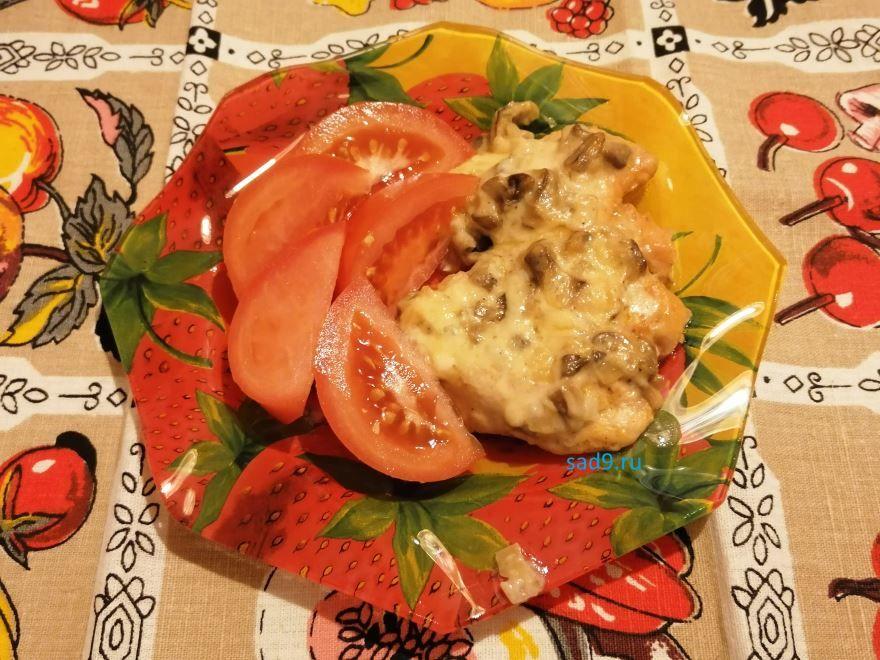 Курица с грибами в духовке вкусный и простой рецепт с фото