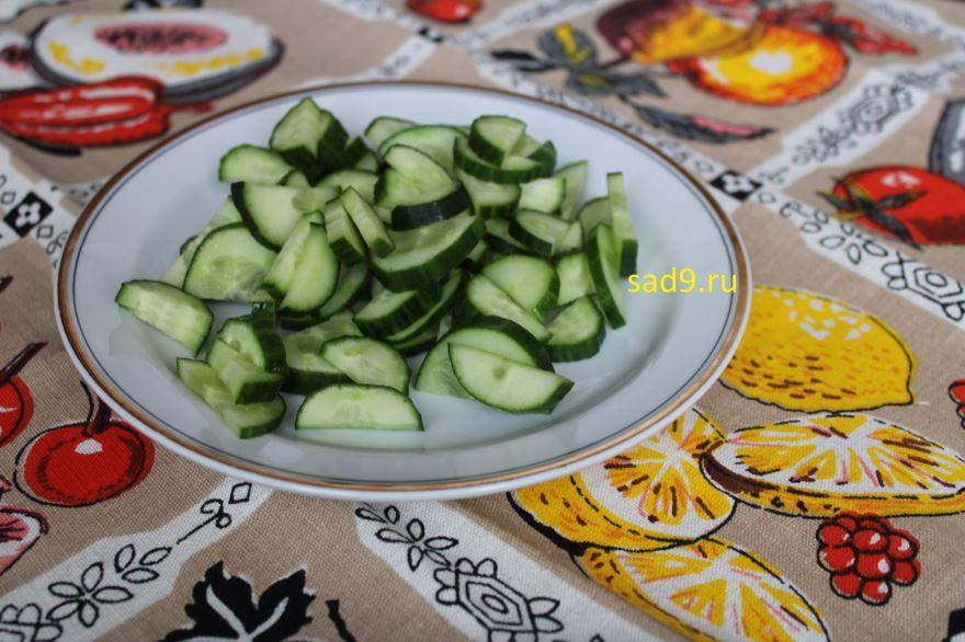 Салат с огурцом и яйцом, с фото пошагово