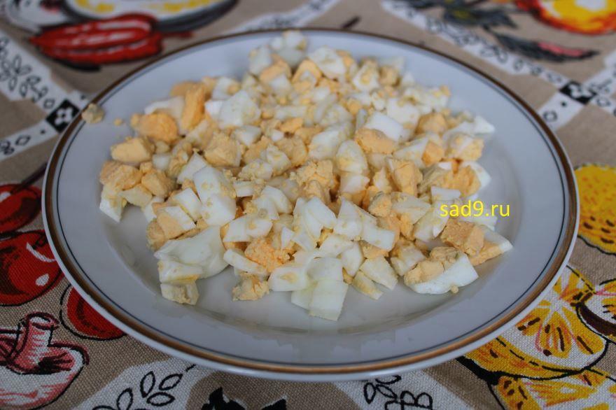 Салат с огурцом и яйцом, рецепт с фото