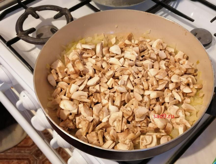Курица с грибами в духовке, рецепт