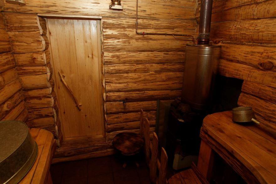 Деревенская баня внутри