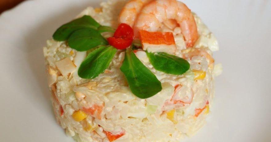 Крабовый салат с рисом, фото