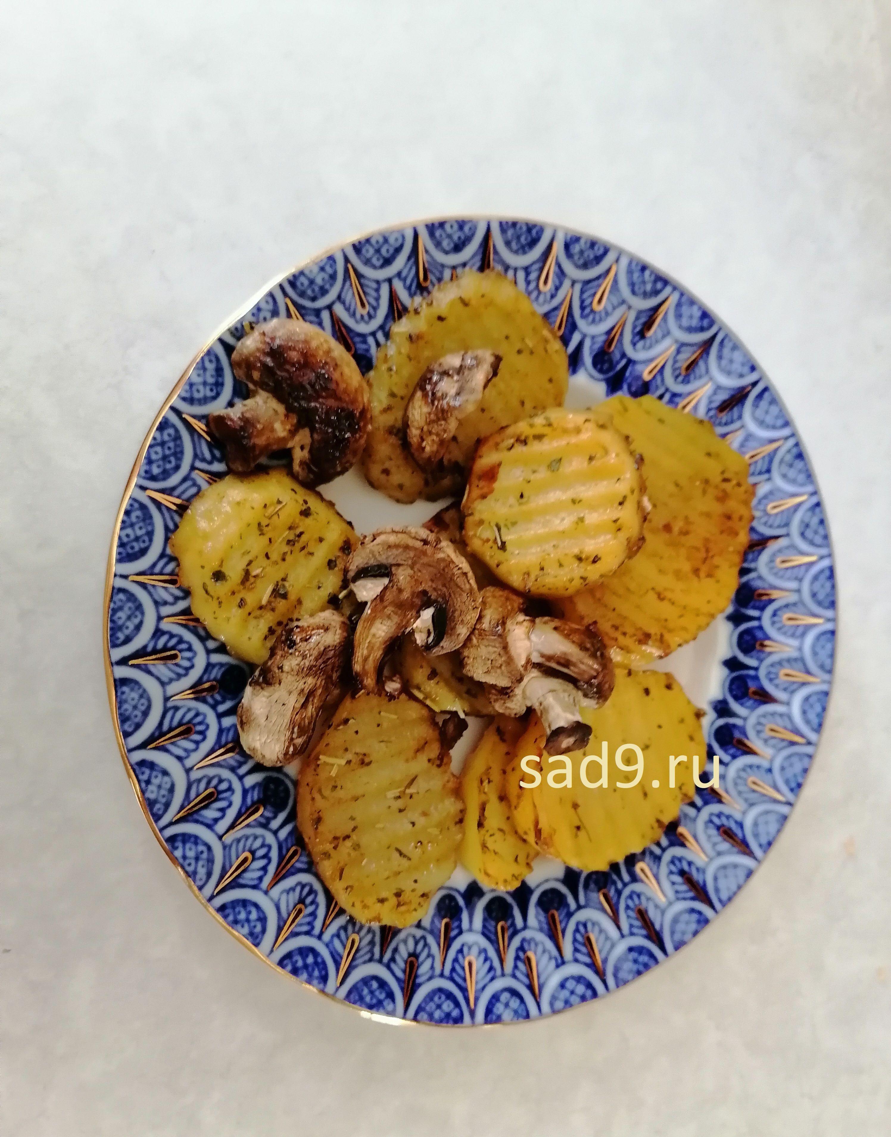 Картошка с грибами в духовке с фото пошагово