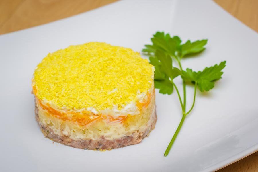 Салат 'Мимоза' с сыром