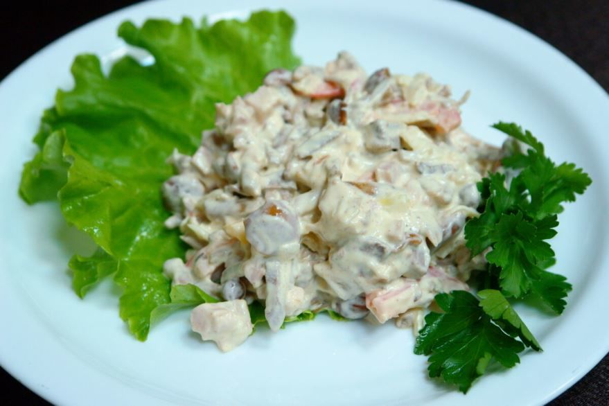 Салат с курицей и грибами, фото