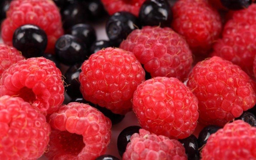 Фото ягод лесные кустарника замороженные черные красные